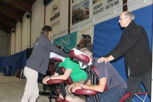 18-1-Jean-Pierre&Alexandra massage sur chaise