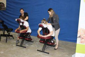 2-Massage sur chaise au diapason