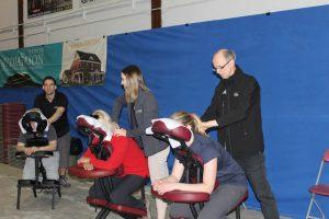 20-massage sur chaise diapason Benoit&Jean-pierre&Alexandra