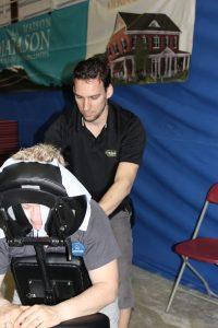 _4-Massage sur chaise Benoit au diapason